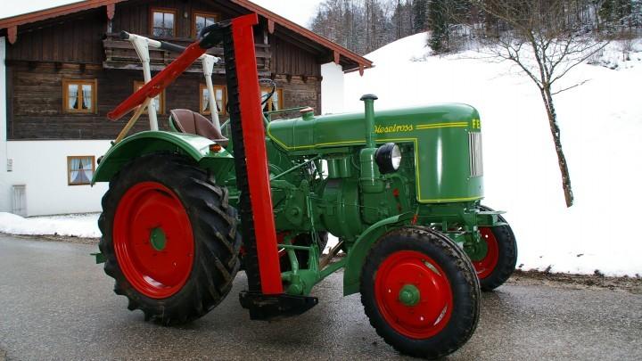 Traktor vom Hotel Reissenlehen