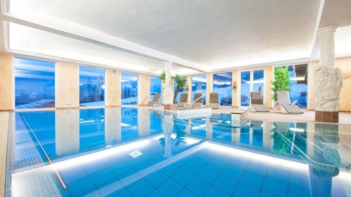 Schwimmbad im Hotel Berchtesgaden