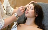 Tages- oder Abend-Make-up