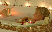 Rosepetal bath for 1 person